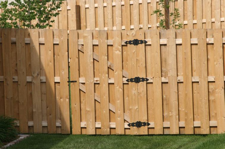AFC Iowa City - Wood Fencing, 1018 Board-on-board