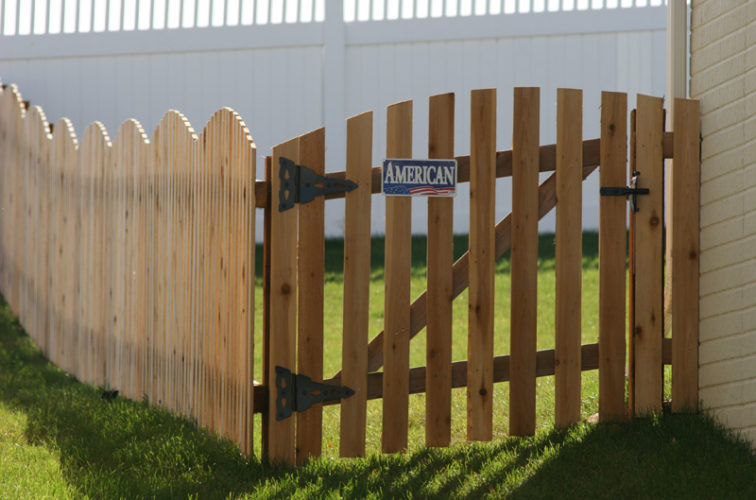 AFC Iowa City - Wood Fencing, 1019 Wood 4' overscallop Picket