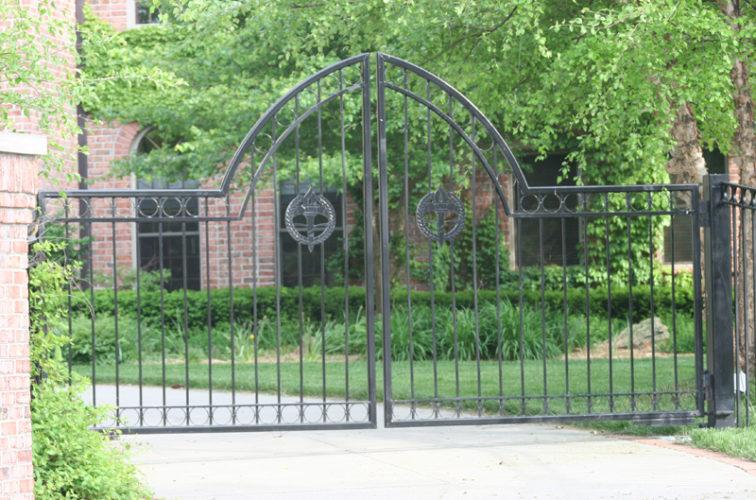 AFC Iowa City - Custom Gates, 1308 Overscallop Estate gate with circles