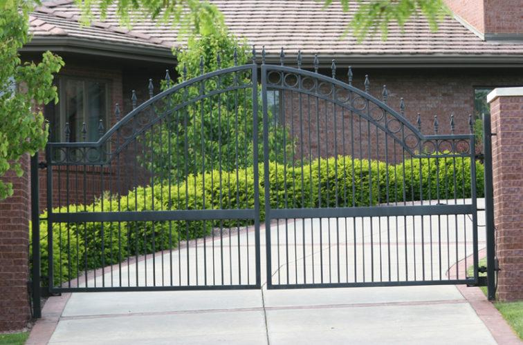 AFC Iowa City - Custom Gates, 1309 Overscallop Estate gate with quad flare (1309)