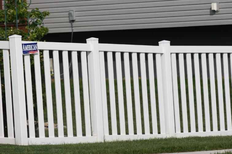 AFC Iowa City - Vinyl Fencing, 4' Closed Picket 580