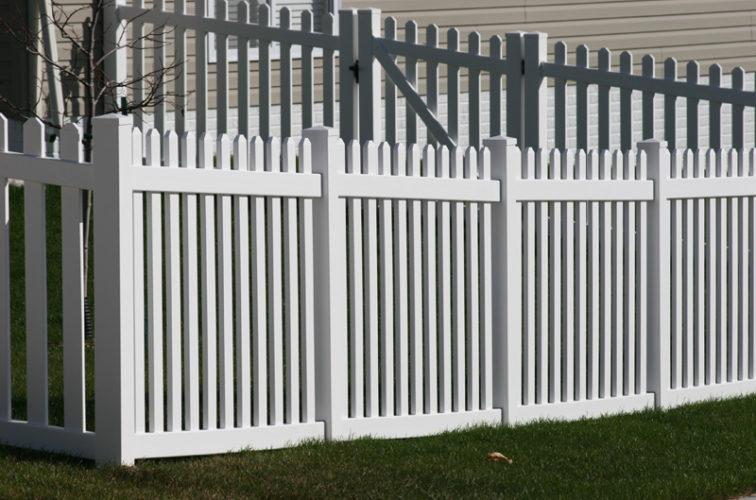 AFC Iowa City - Vinyl Fencing, 559 Vinyl 4' picket