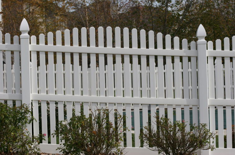 AFC Iowa City - Vinyl Fencing, 560 Vinyl 6' overscallop picket 2