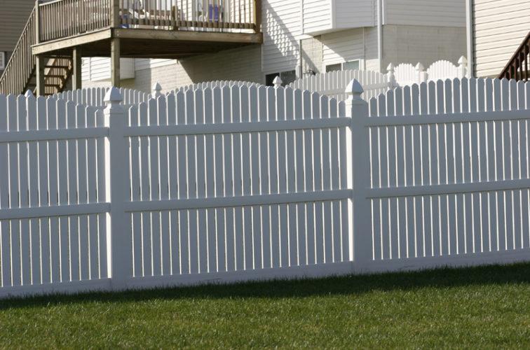 AFC Iowa City - Vinyl Fencing, 561 Vinyl 6' overscallop picket