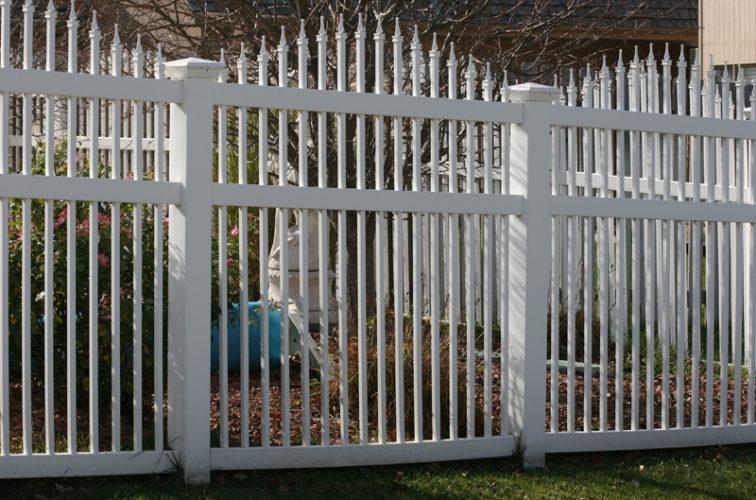 AFC Iowa City - Vinyl Fencing, 562 Vinyl Ornamental Overscallop 6' Photo