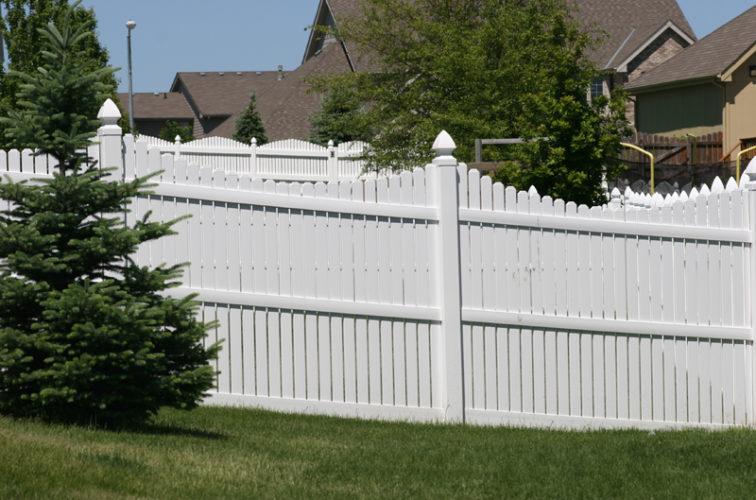 AFC Iowa City - Vinyl Fencing, 563 6' Underscallop