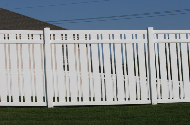 AFC Iowa City - Vinyl Fencing, 6' Alternating Picket 572