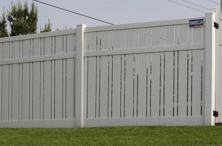 AFC Iowa City - Vinyl Fencing, 6' Alternating Picket 577