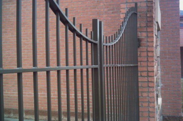 AFC Iowa City - Custom Gates, Courtyard Underscallop Estate Gate