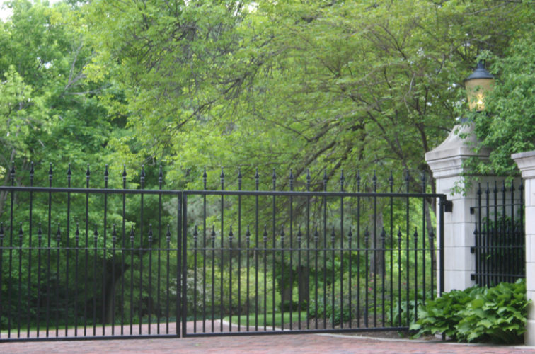 AFC Iowa City - Custom Gates, Estate Double Drive Gate With Alternating Pickets