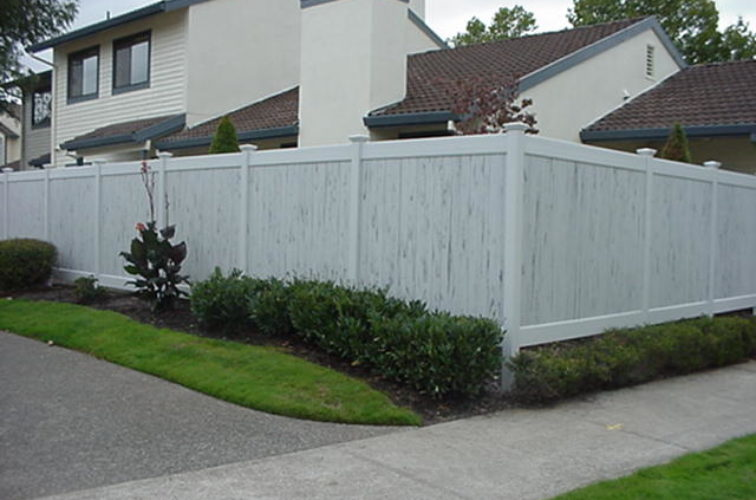 AFC Iowa City - Vinyl Fencing, Greystone (602)