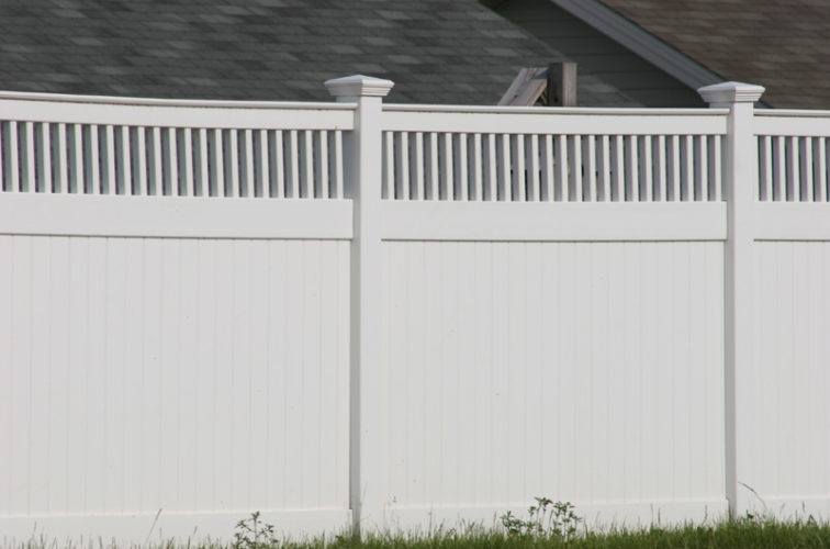 AFC Iowa City - Vinyl Fencing, Privacy with Picket Accent 700
