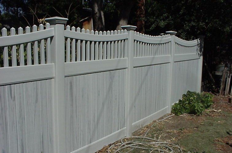 AFC Iowa City - Vinyl Fencing, Privacy with Sloped Rail Picket Accent 703