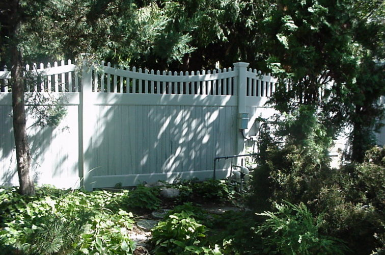 AFC Iowa City - Vinyl Fencing, Privacy With Sloped Rail Picket Accent 704