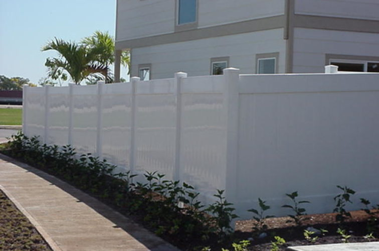 AFC Iowa City - Vinyl Fencing, Solid Privacy (610)
