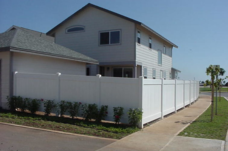 AFC Iowa City - Vinyl Fencing, Solid Privacy (611)