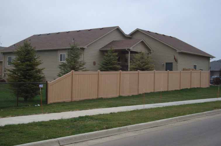 AFC Iowa City - Vinyl Fencing, Solid Privacy - Woodland Select (2)