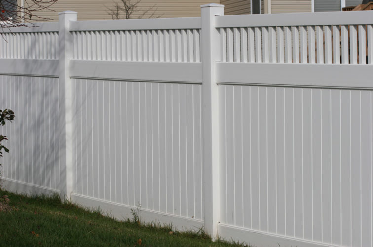 AFC Iowa City - Vinyl Fencing,Vinyl 6' private with picket accent 706