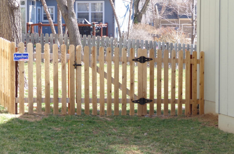 AFC Iowa City - Wood Fencing, 4' Picket - AFC-KC