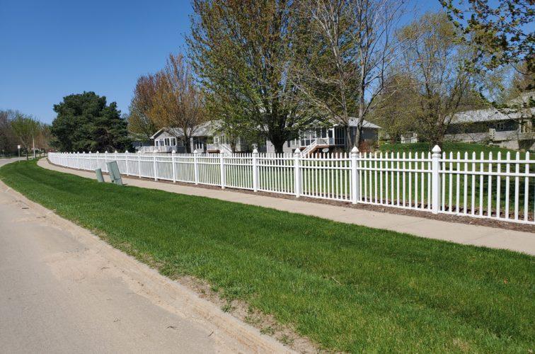 American Fence Company of Iowa City - 4' White Vinyl Picket Fence