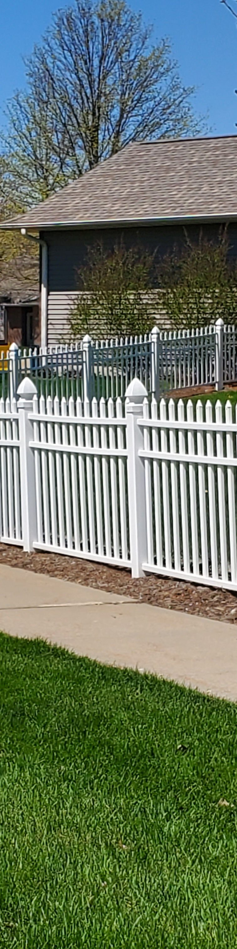 American Fence Company of Iowa City - 4' PVC Classic Picket Vinyl Fence